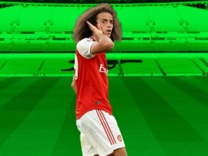 Matteo Guendouzi taunting rivals fans while in a an Arsenal kit