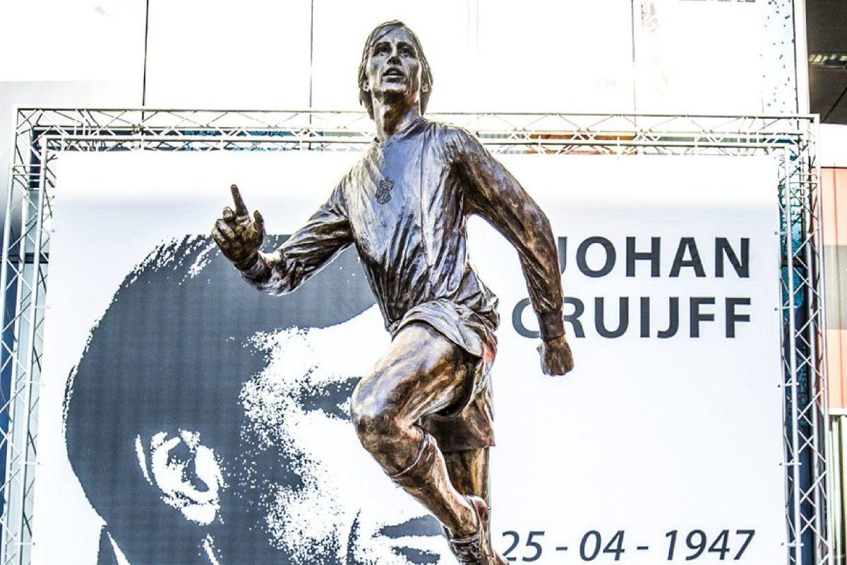 New Johan Cruyff statue goes up outside Ajax's stadium