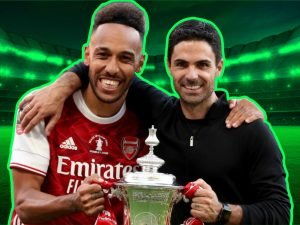 Pierre-Emerick Aubameyang and Mikel Arteta lifting FA Cup after 2-1 win against Chelsea