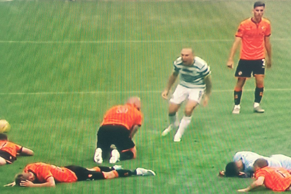 Scott Brown in Mark Connolly's face after Ajeti's goal v Dundee United