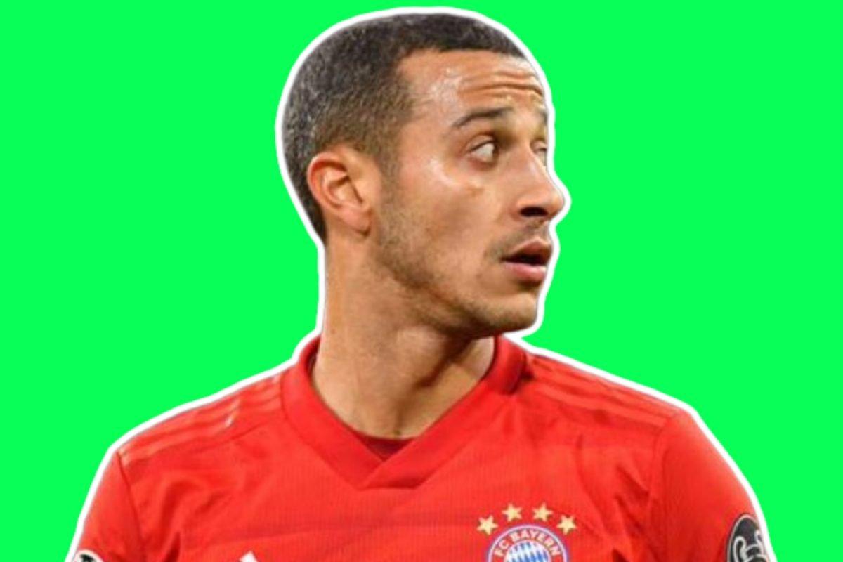 Thiago Alcantara in Bayern Munich kit (1)