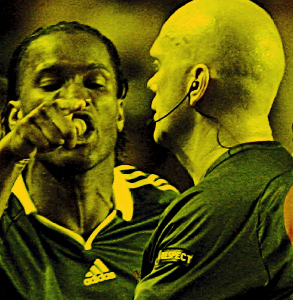 Drogba blasts referee Overbo during 2009 Champions League final v Barcelona (1)