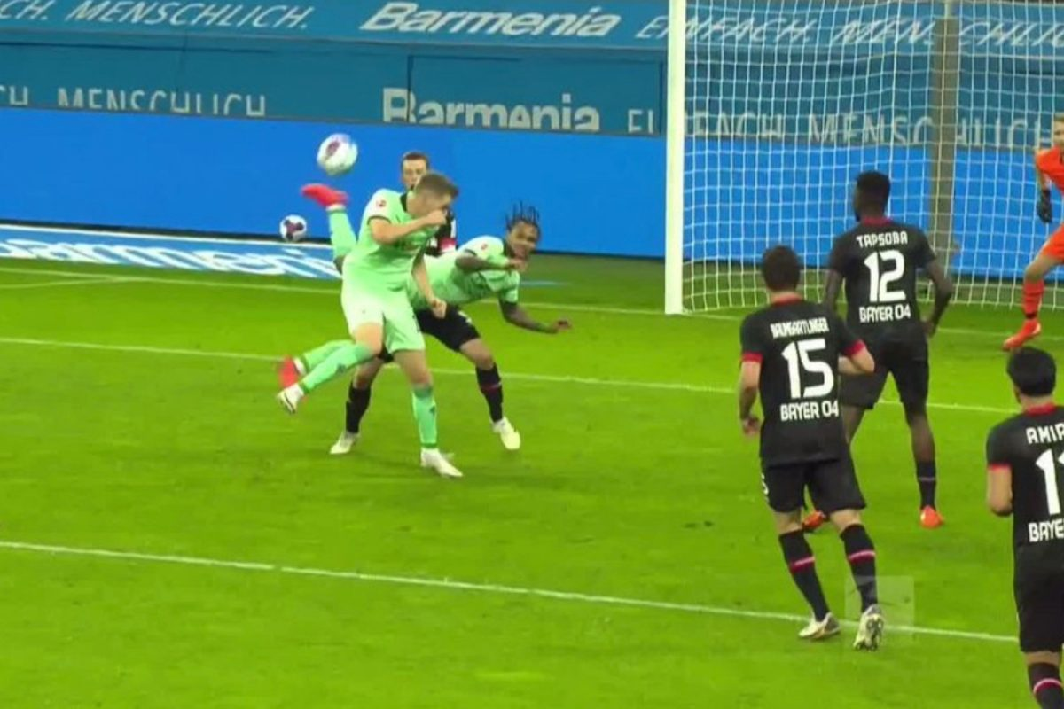 Valentino Lazaro scores unreal scorpion kick goal in defeat against Bayer Leverkusen