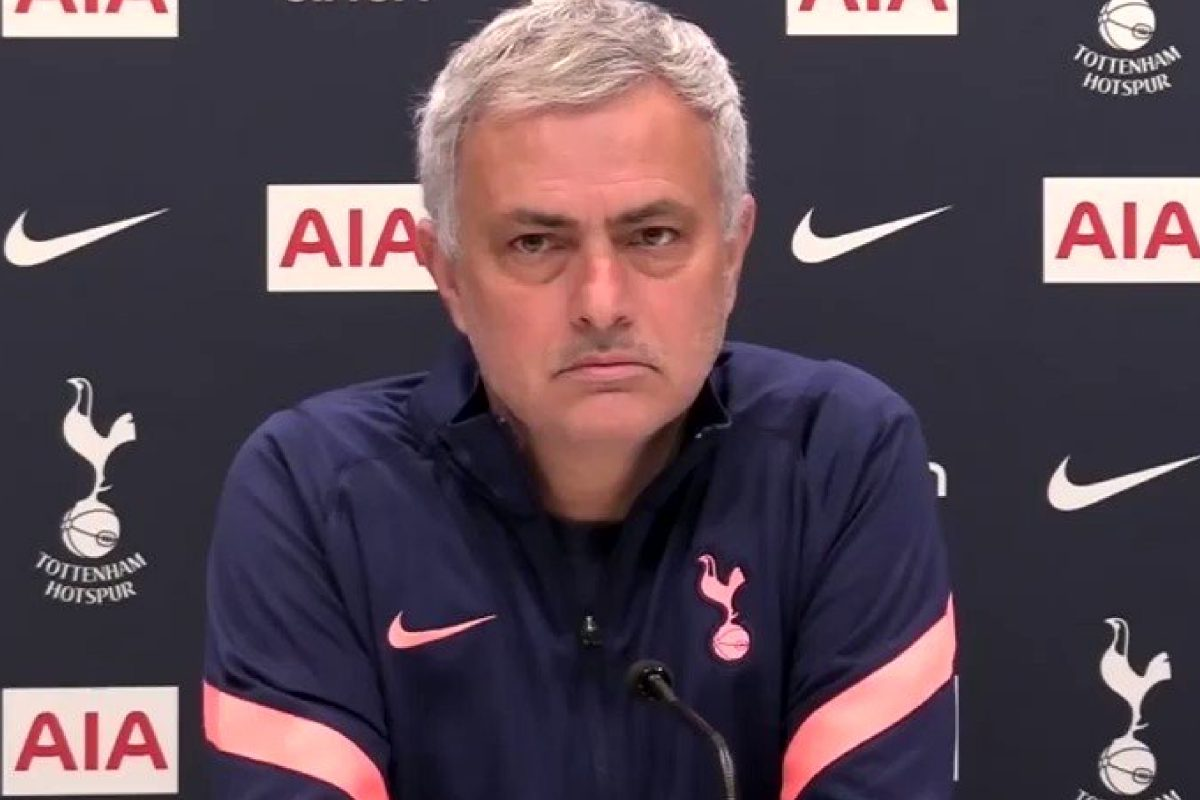 Jose Mourinho holding a press conference