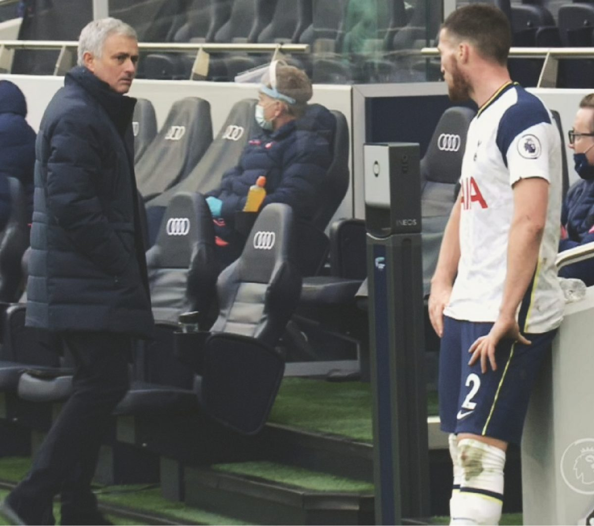 Mourinho death stare at Doherty