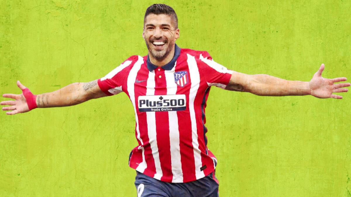 Luis Suarez celebrating after scoring a goal against Valladolid
