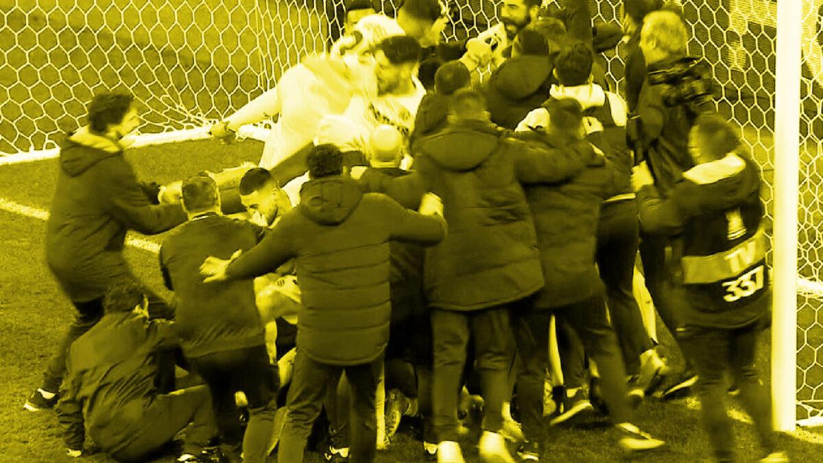 Villarreal players celebrate after winning Europa League final v Manchester United