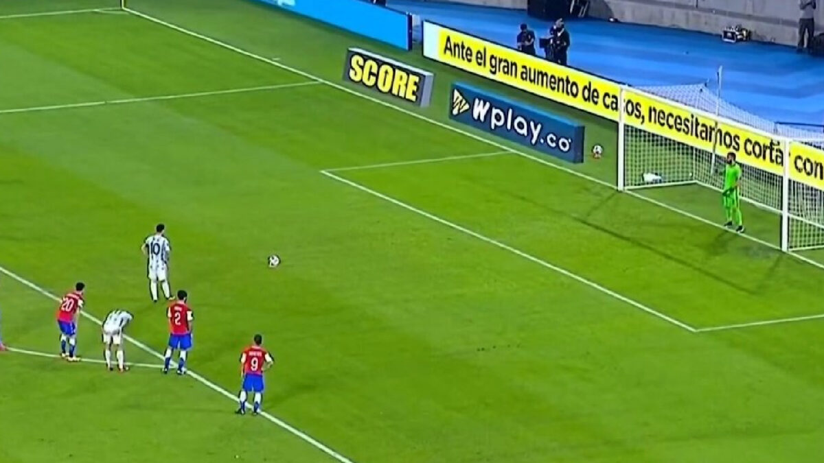 Lionel Messi penalty v Chile