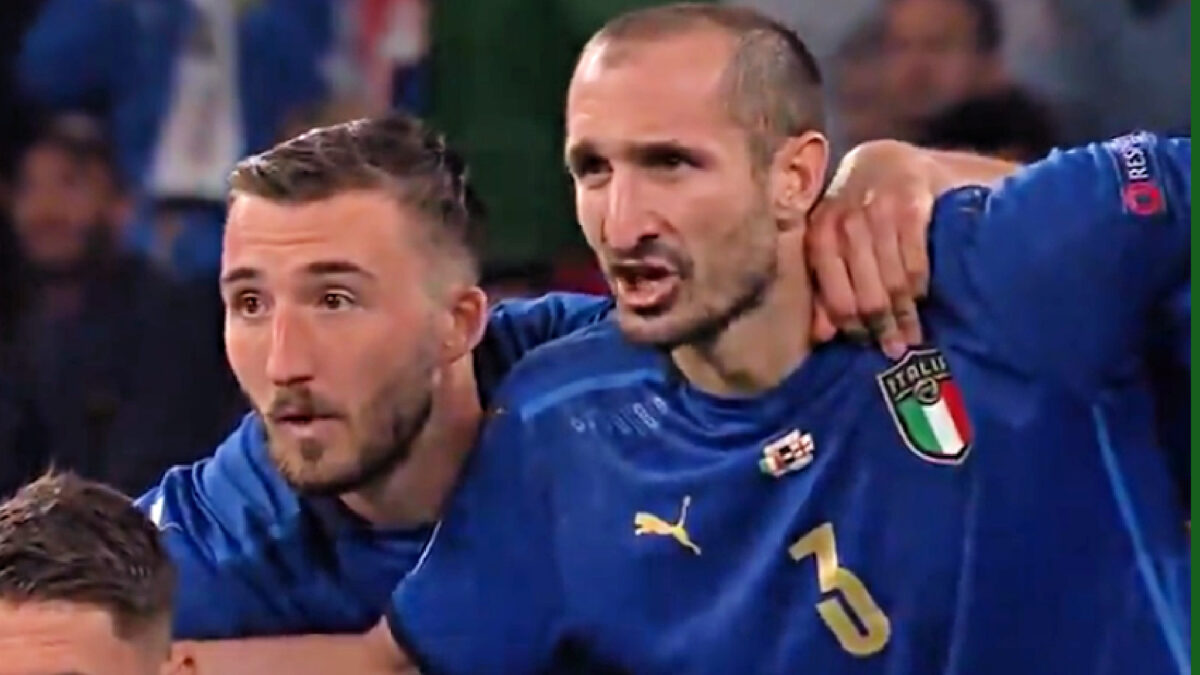 Giorgio Chiellini screaming 'Kiricocho' right before Bukayo Saka missed his penalty for England