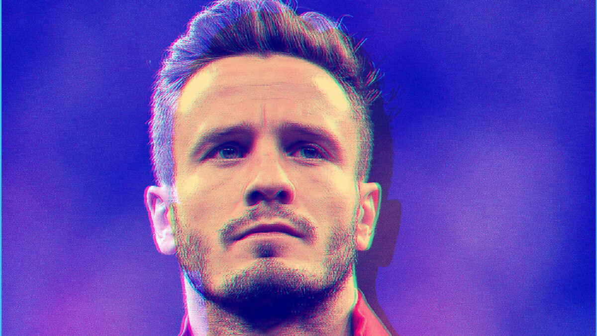 Saul Niguez looking focused before an Atletico Madrid game