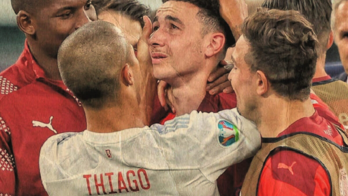 Thiago Alcantara consoling Ruben Vargas after the penalty shootout between Spain and Switzerland