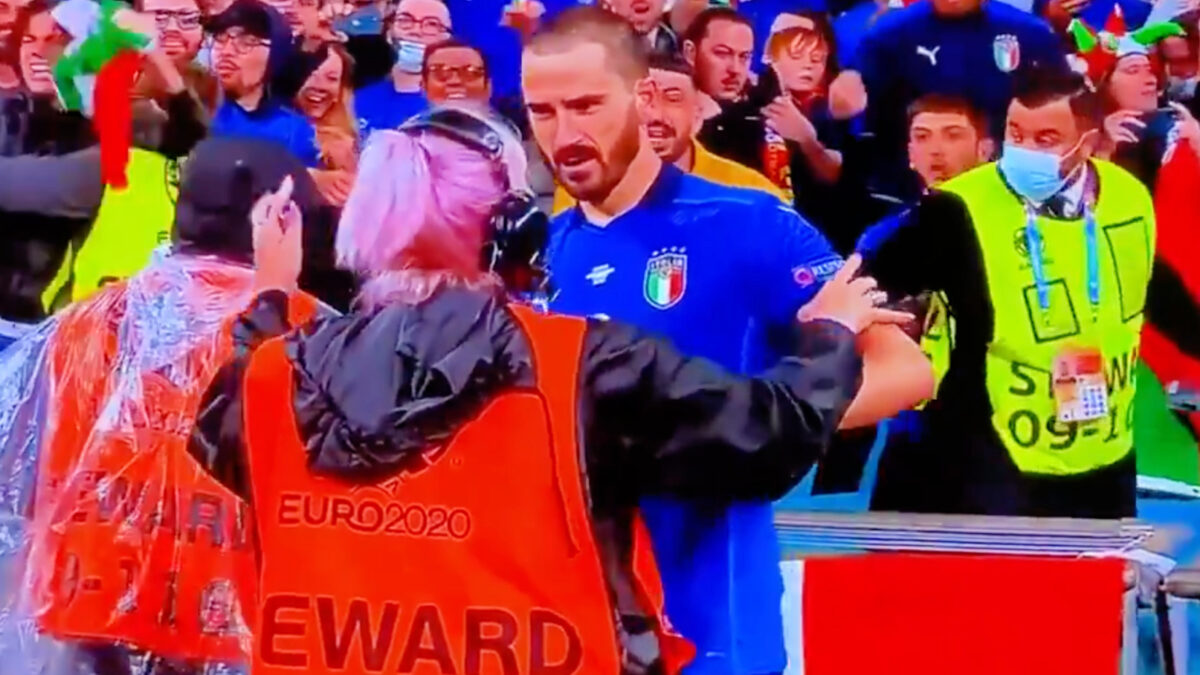 Wembley steward stops Leonardo Bonucci from getting on the pitch after confusing him for a Italy fan