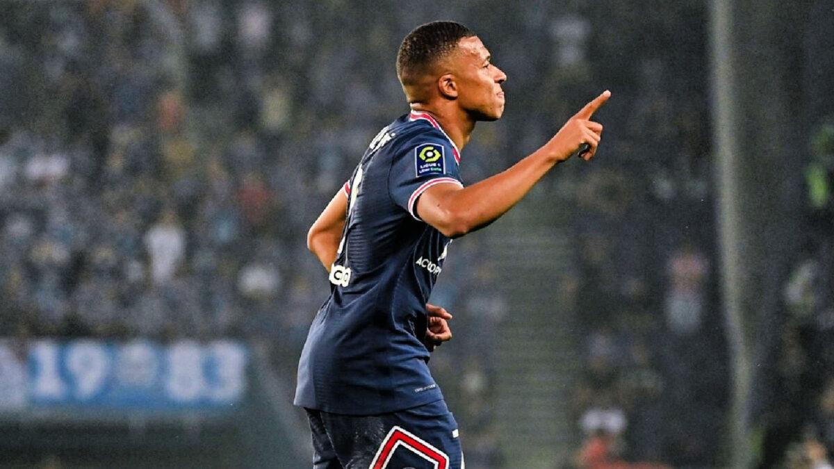 Kylian Mbappe celebrates scoring a goal against Strasbourg
