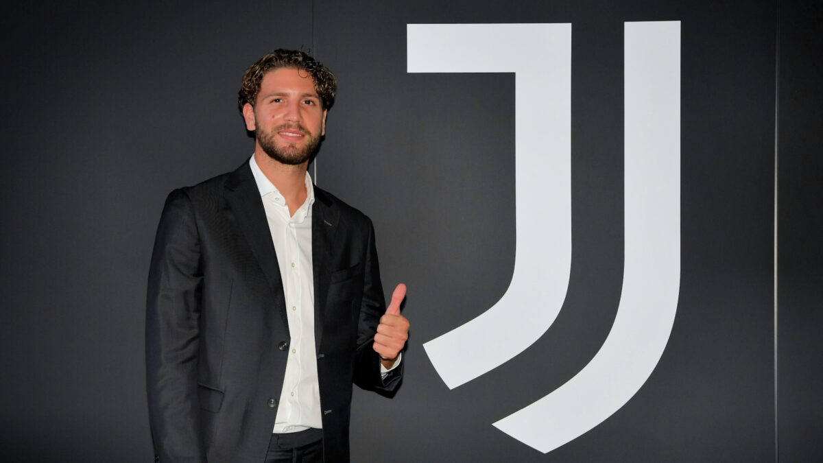 Manuel Locatelli gives a thumbs up after completing his transfer to Juventus