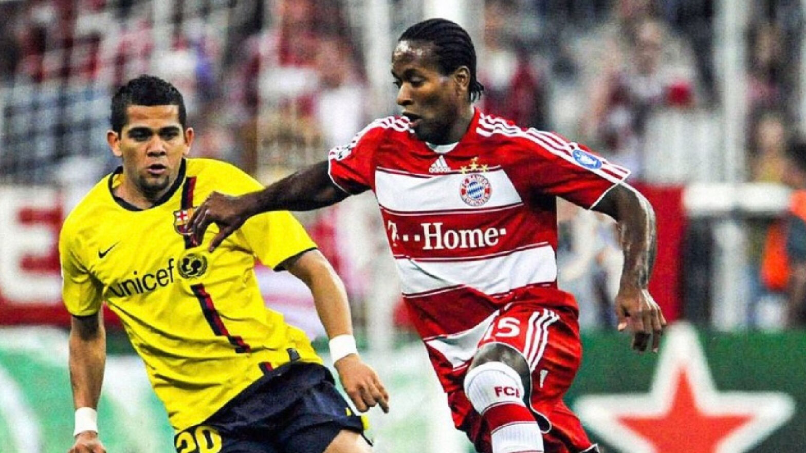 Ze Roberto playing for Bayern against Barcelona